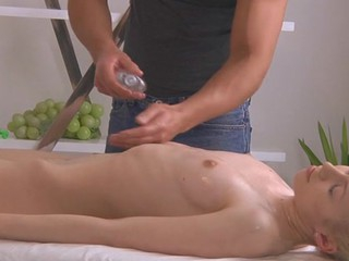 Elegant lass gives wild oral pleasure after sensual massage
