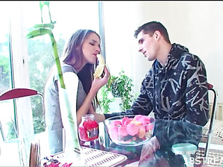 Black Brown chap is pounding raunchy hottie hard in the kitchen