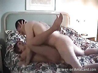 Beauty rides up dick of her boyfriend and bounds on it fast