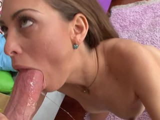Hawt dark brown enjoys spitting and engulfing on stud's large penis!