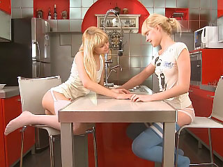 Blonde allies passionately kiss and vibrator tight wet holes