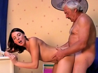 Old immodest man screwing amateur hot brunette girl at room