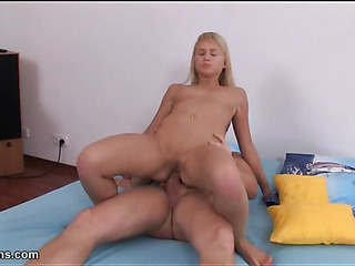 Sexy pretty chick gets soaked cunt fucked with huge shlong