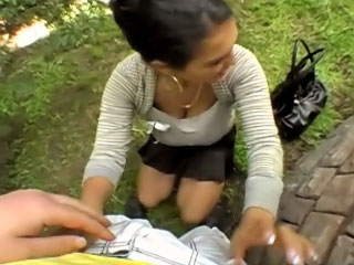 Hawt pretty girl gets screwed and cummed outdoors by messy guy