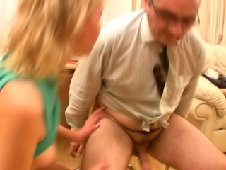 Sexy marvelous hot long haired blonde babe blowing 10-Pounder deep
